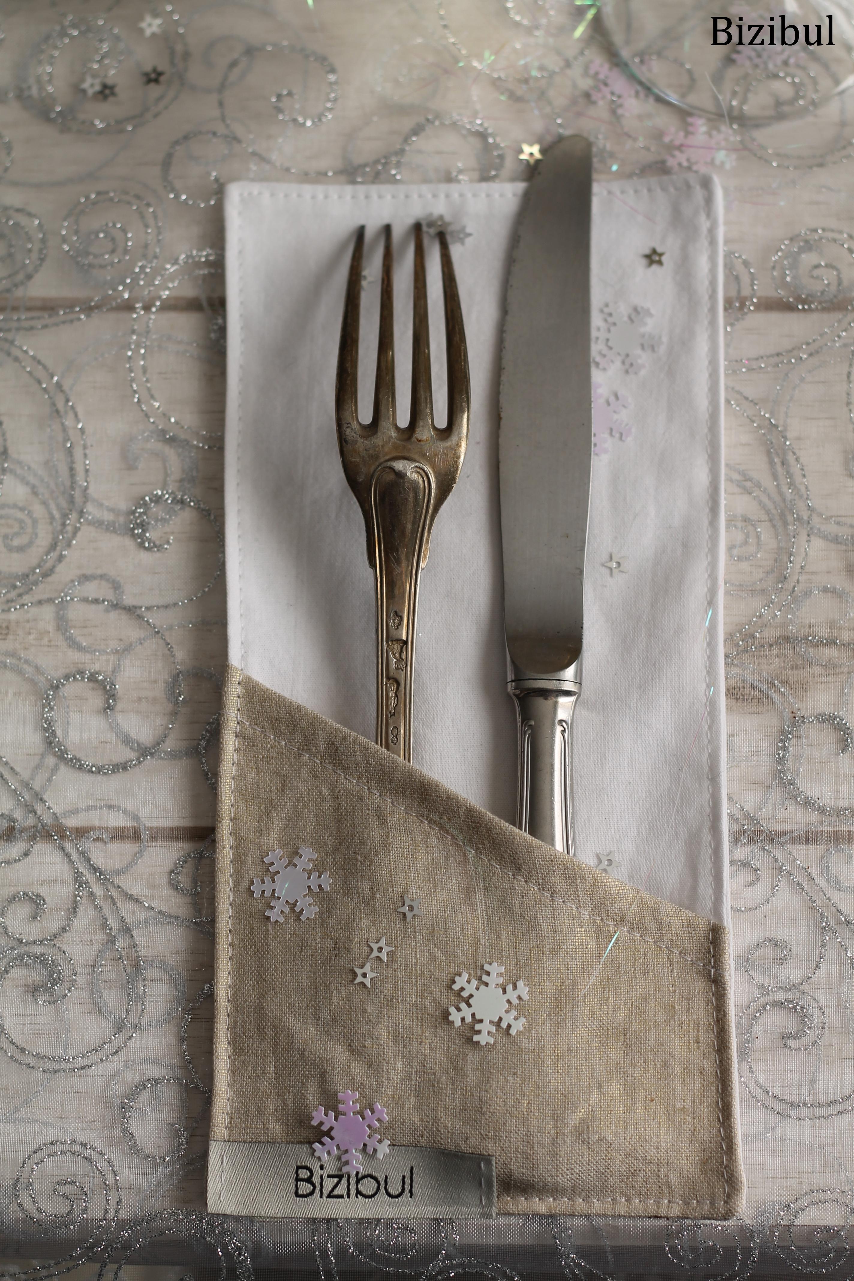 tutoriel couture porte couverts de Noël pour décoration de table de fêtes